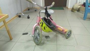 Велосипед для девочки <nobr>1 800 руб</nobr>