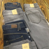 джинсы <nobr>от 3 400 руб</nobr>
